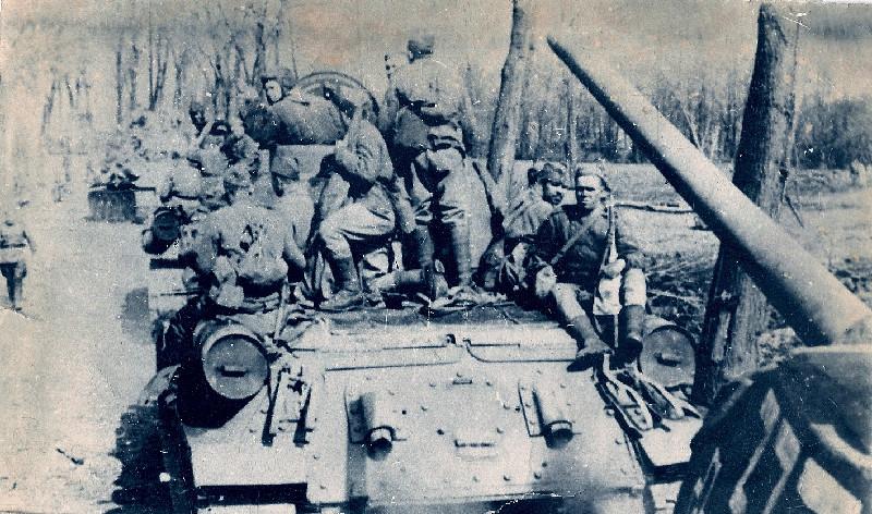 Колонна танков т-34-76 25-го тк район арбузовски, конец декабря 1942 г